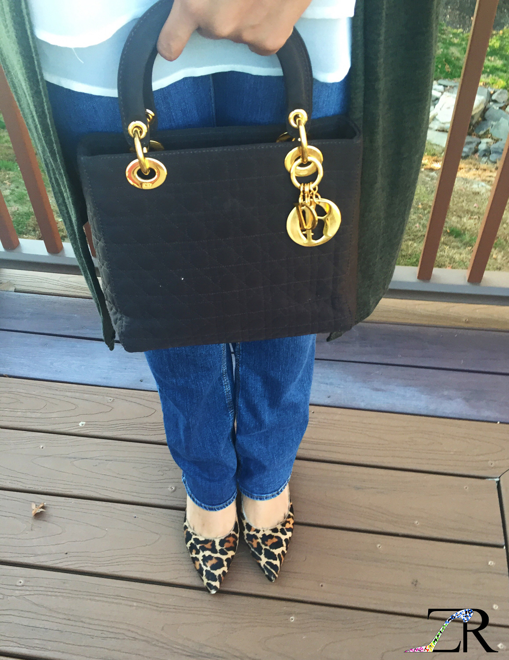 668cfc3062 Today's OOTD (outfit of the day) is all about the bag. This Lady Dior  handbag, with gold hardware, adds class to a casual weekday.